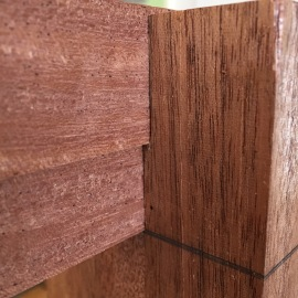 Top headboard rail bridle joint in foot.