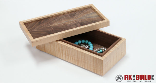 Simple-Wooden-Jewelry-Box-640x341